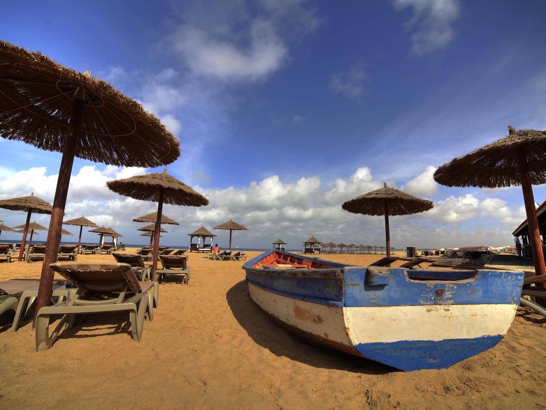 Tortuga Beach Boat.jpg