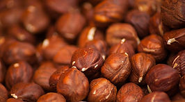 hazelnuts-1707601_960_720.jpg