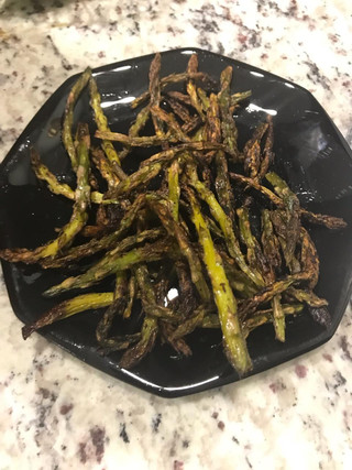 Roasted yellow squash and asparagus, delicious!!