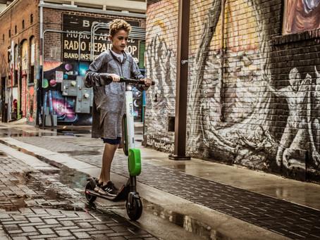 E-Scooter im Straßenverkehr - Verkehrsregeln, Altersbeschränkung und Promillegrenzen