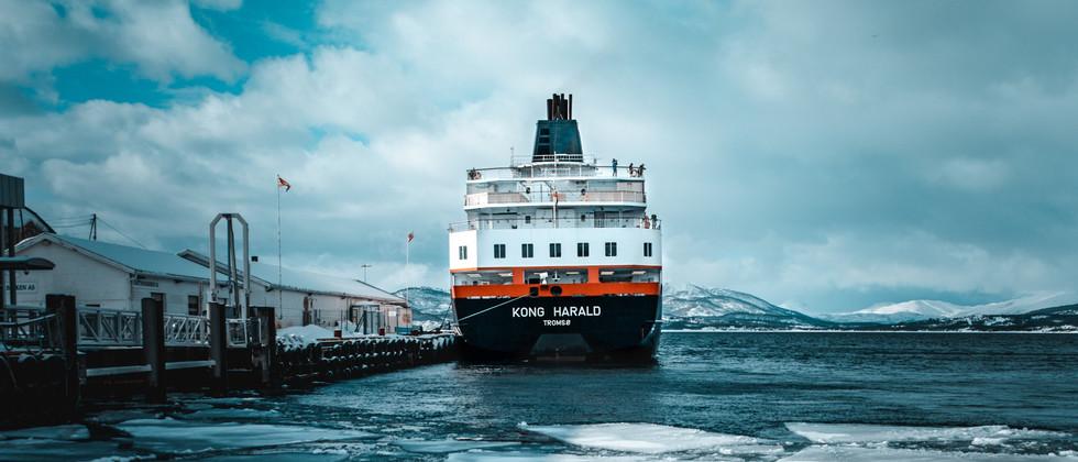 docked-ship-2051025 (1).jpg