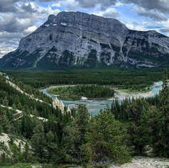 Banff is Canada at its best 🇨🇦 ._._._.