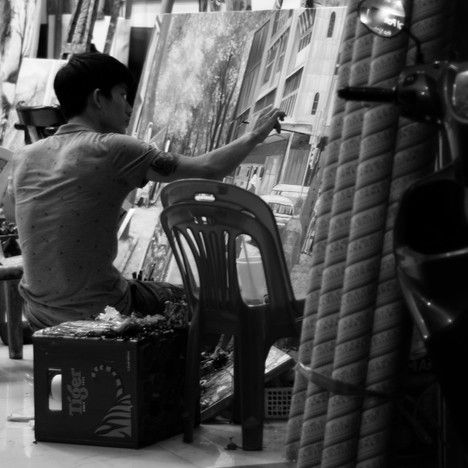 Man painting on the street.jpg