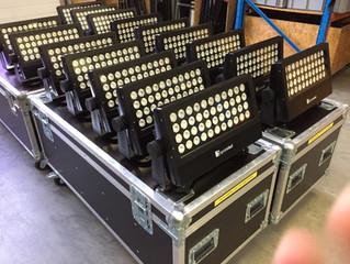Neu im Mietpark : 16 x Square LED Storm 5 W-PRO 44x10 Watt RGBW IP65 35°