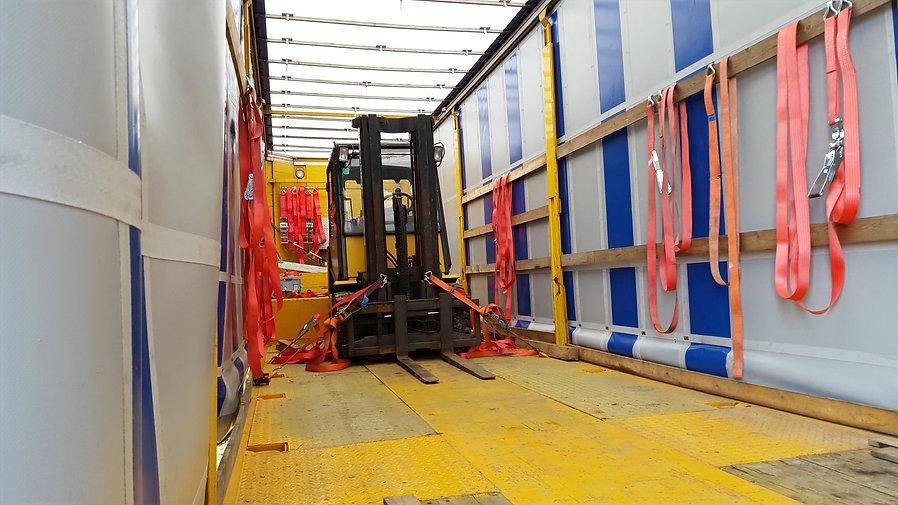 Spezialtransporte Staplertransporte Baumaschinentransporte Landmaschinentransporte S&W Internationale Spedition