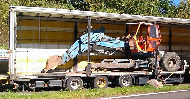 baumaschinentransport.jpg