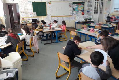 classe élémentaire CP CE1.jpg