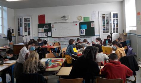 classe élémentaire CE CM.jpg