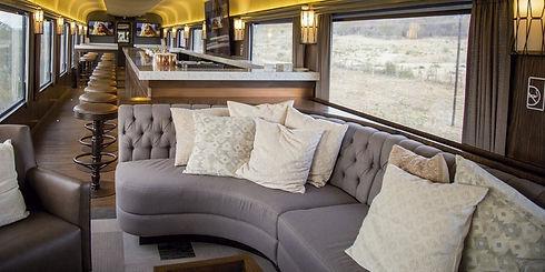 Tren-Chepe-Express-de-lujo-Bar-con-salas
