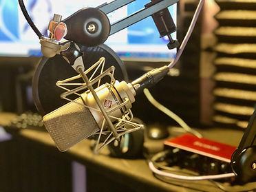 Neumann TLM 103 microphone in home studio