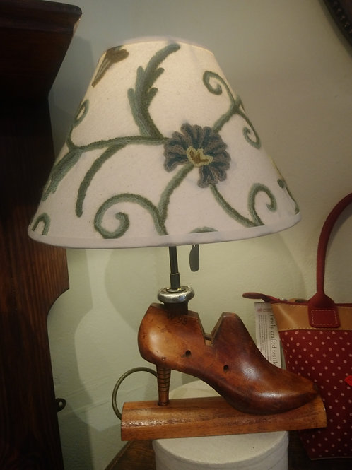 Ladies shoe and crewel shade