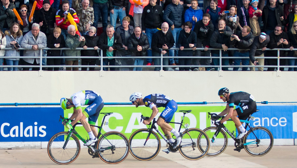 Mat Hayman wins Roubaix