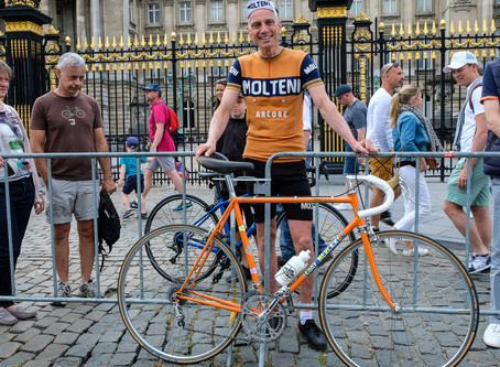 The coolest bike at the Tour is orange, steel, and lugged