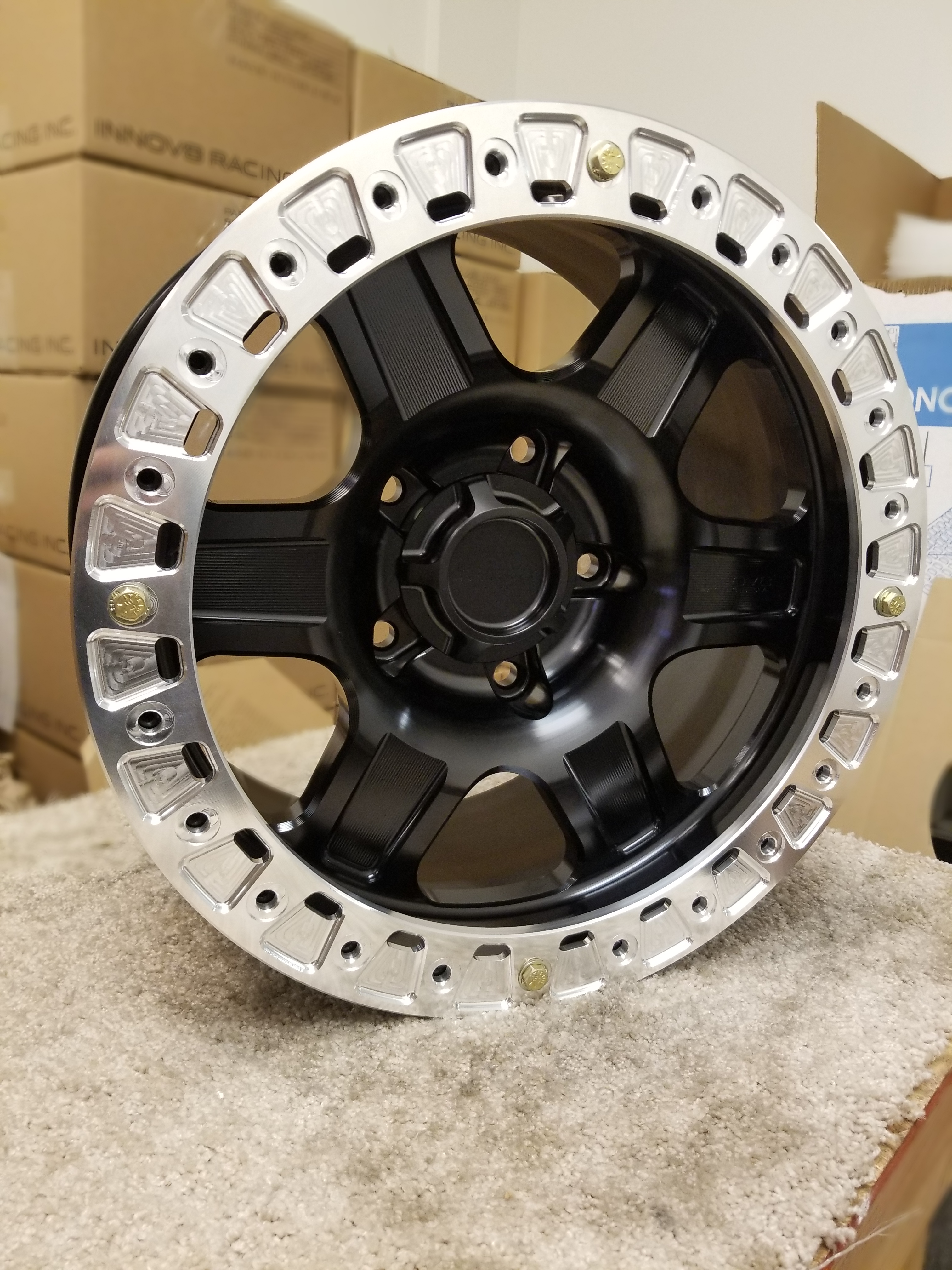 G400 Black 17in BL 5lug SLD