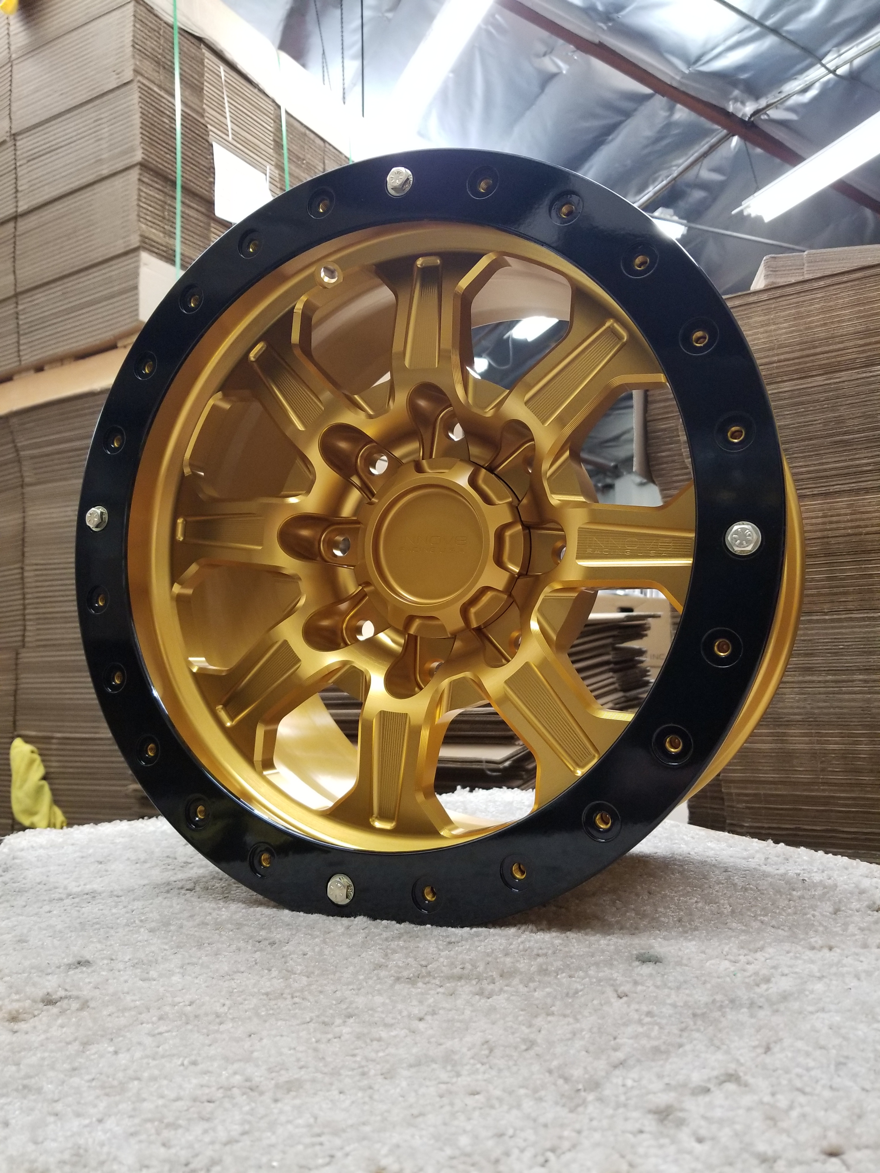 G500 Gold 17in 8lug Sim STD
