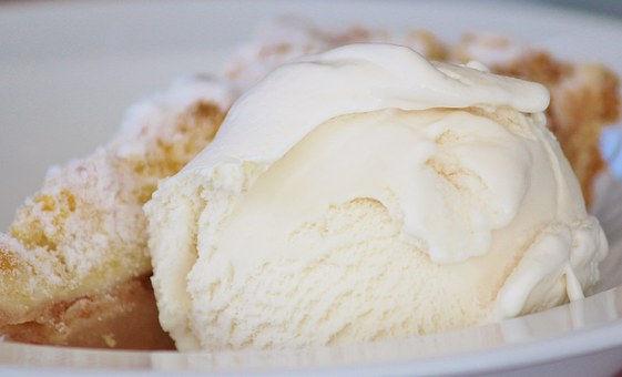 ice-cream-476361__340.jpg