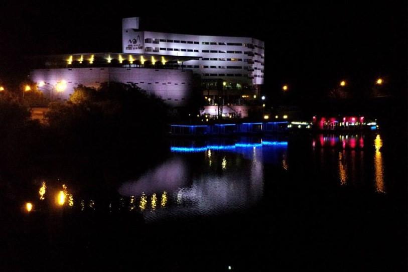 hotel de noche.jpg