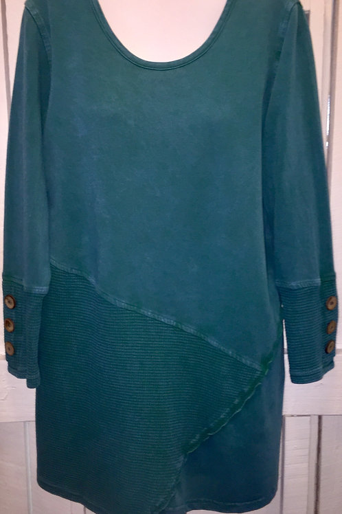 Coconut Button Sleeve Tunic in Green