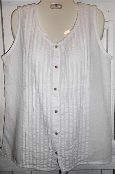 E. Pleated Button Up Tank Top In White