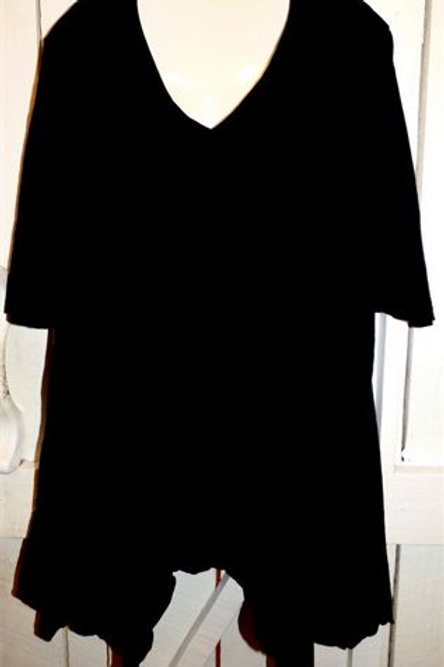 1/2 Sleeve Asymmetrical Tunic in Black