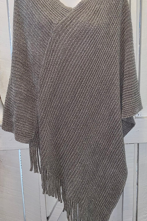Knit Pullover in Grey
