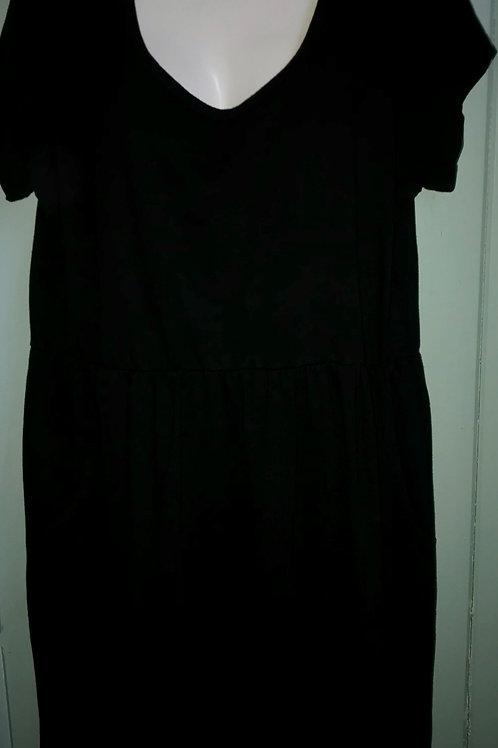Short Sleeve Babydoll Dress in Black