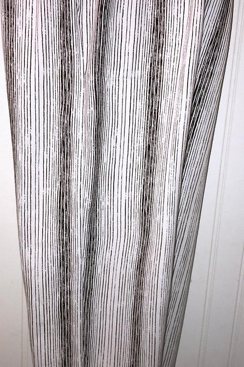 Cotton Button Tab Capri in Black & White