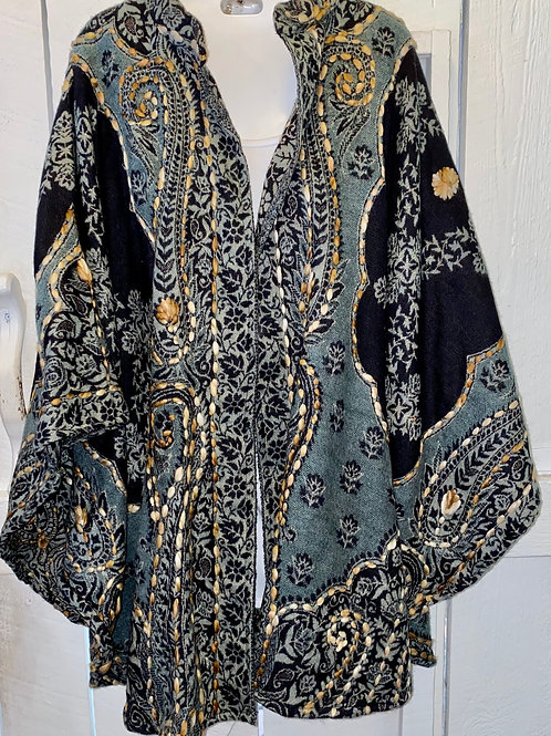 Poncho in Black & Gold