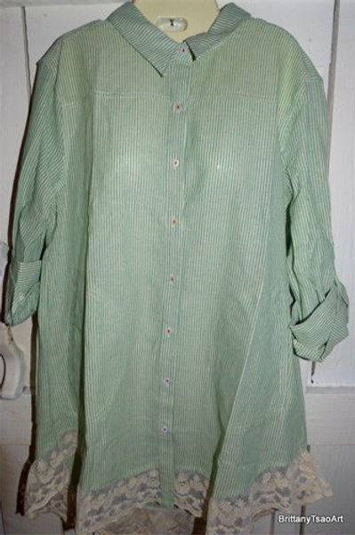 Striped Button-Up Collared Shirt w / /Lace Hem in Green