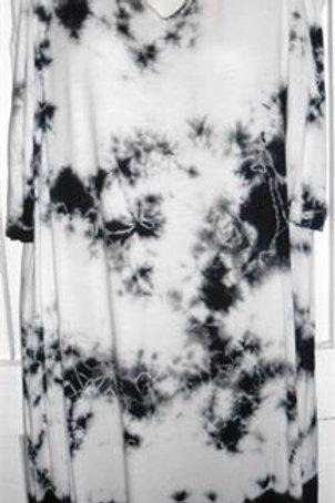 1/2 Sleeve Cold Shoulder Cloud Wash Dress In Black & White