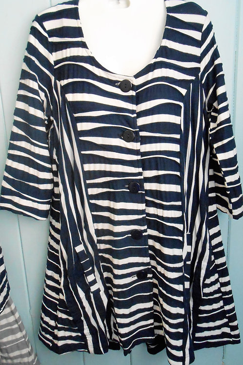 Wavy Button Up Tunic In Navy/White
