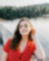 beautiful-woman-blur-brunette-2464637.jp