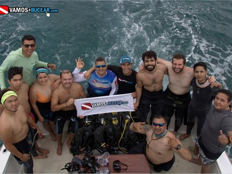 Expedición a Cozumel y Playa del Carmen con los Tiburones Toro