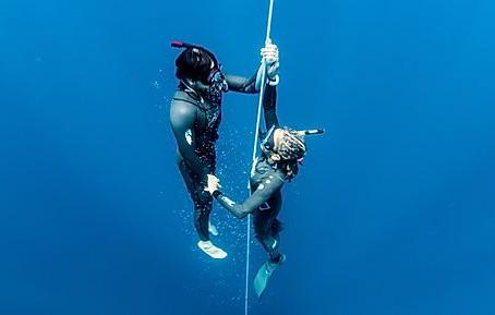 Free Diving | Maria Teresa Solomons