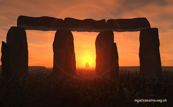 Stonehenge_heel_stone.jpg