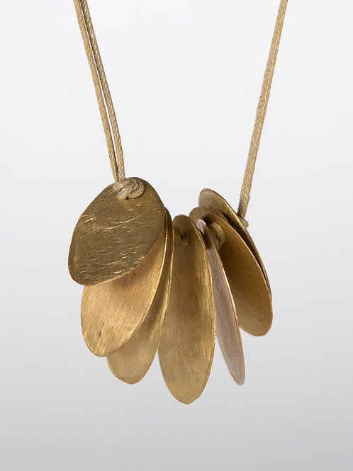 NECKLACE MULTIPLE LEAVES