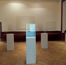 espositori in marmo per musei.jpg