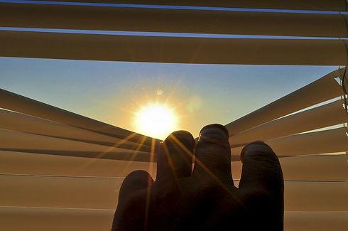 blinds-201173_1280.jpg