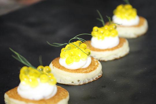 canape caviar de truta.JPG