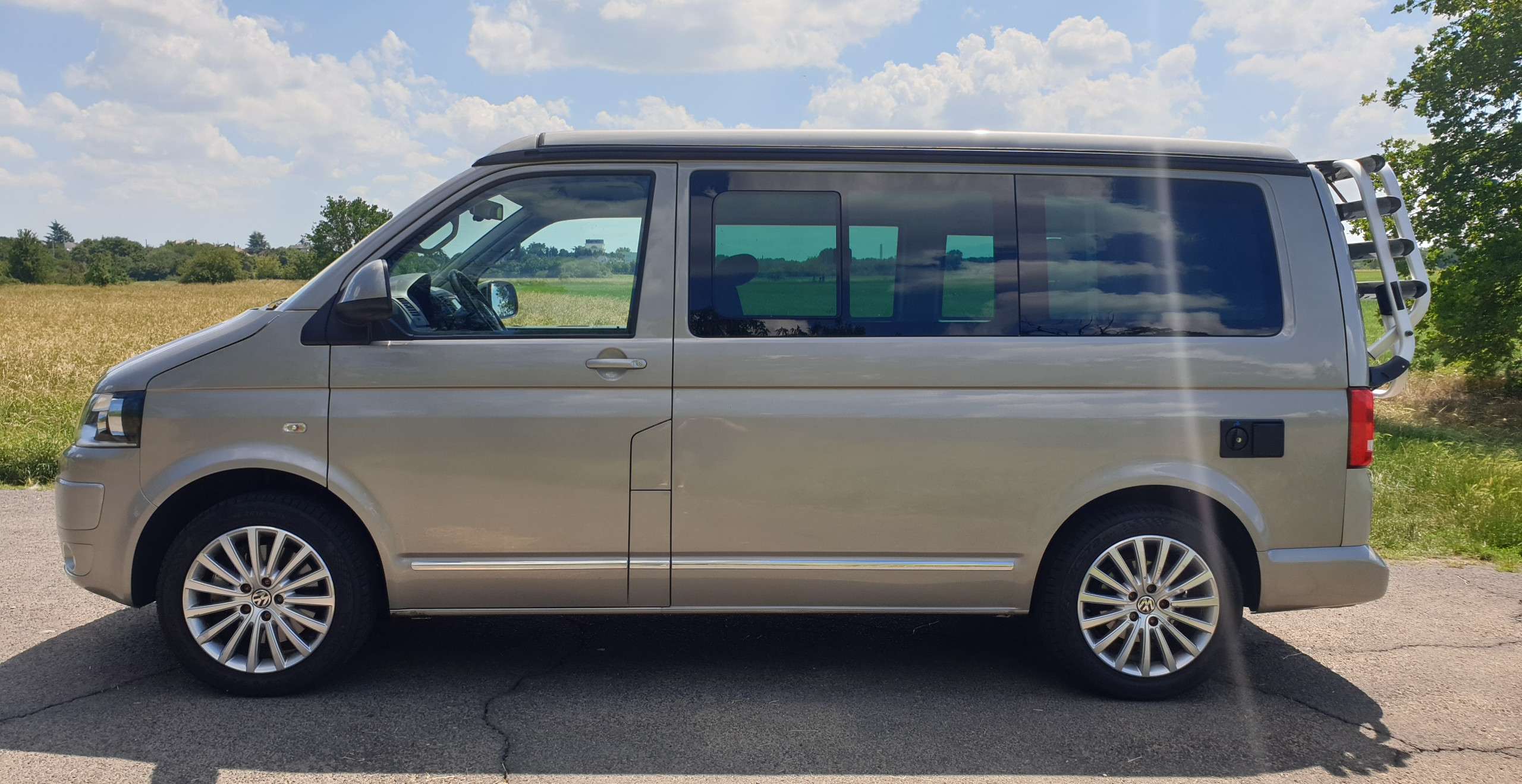 Import Auto Allemagne - Auto Convoi Allemagne - Volkswagen T5 California Confortline 2.0 TDI 180ch
