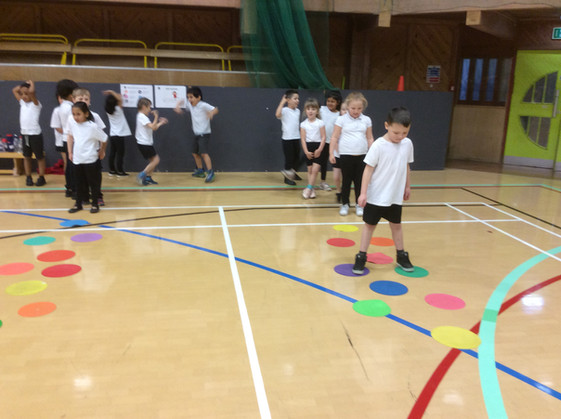Sporty afternoon in Y1!