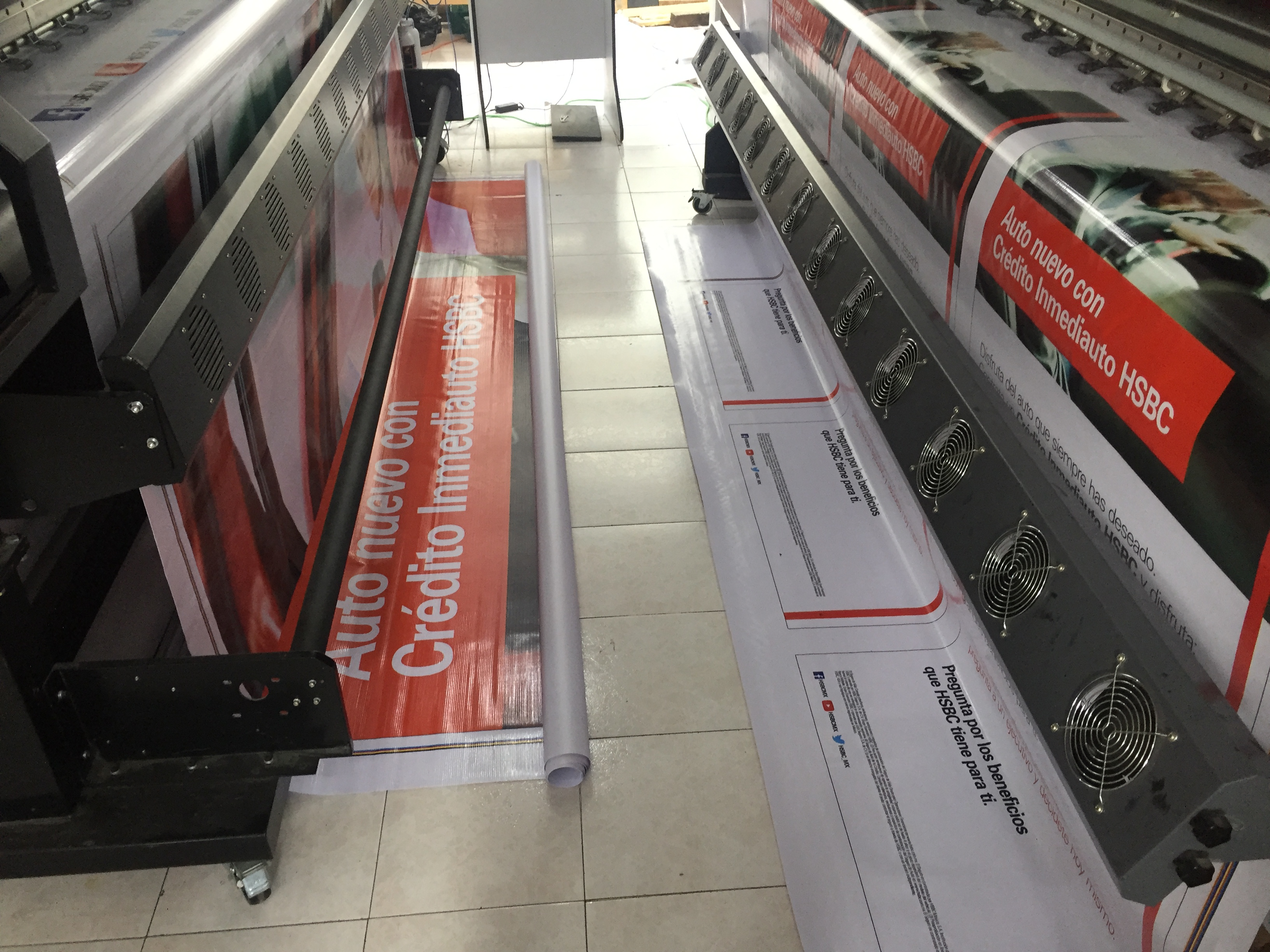 LONA HSBC INMEDIAUTO 2 PLOTTERS