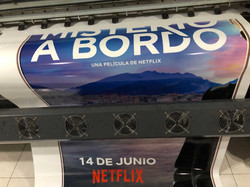 Vinil-Brillante-Misterio-A-Bordo-Netflix