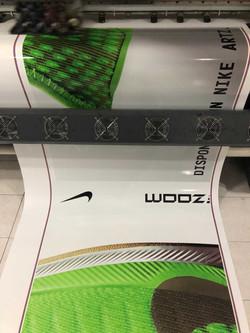 Vinil-Brillante-Nike-Plaza-Artz2