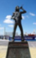 Bon-Scott-Statue-gnangarra.jpg