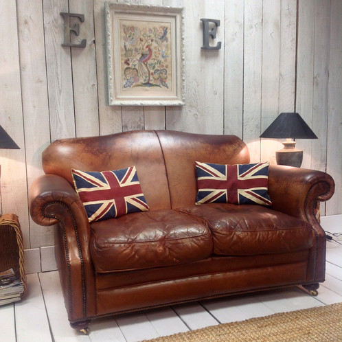 Laura Ashley Leather Sofa We Have For This Really Nice Full Of Lots Character And Charm