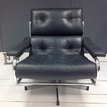 Iconic Leather Pieff Alpha Swivel Armchair