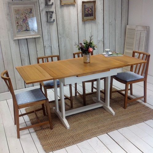 1940s Dining Table And Chairs