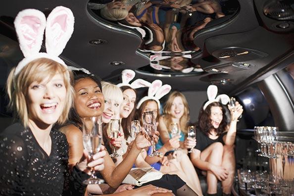 limousine-strip-seeyou-evjf-budapest