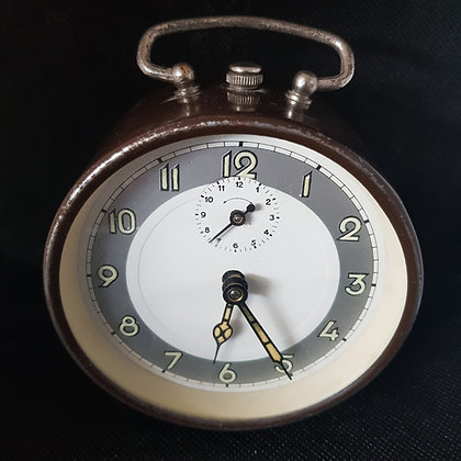 brun vekkerklokke